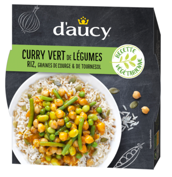 Curry vert de légumes, riz et graines de courge et tournesol